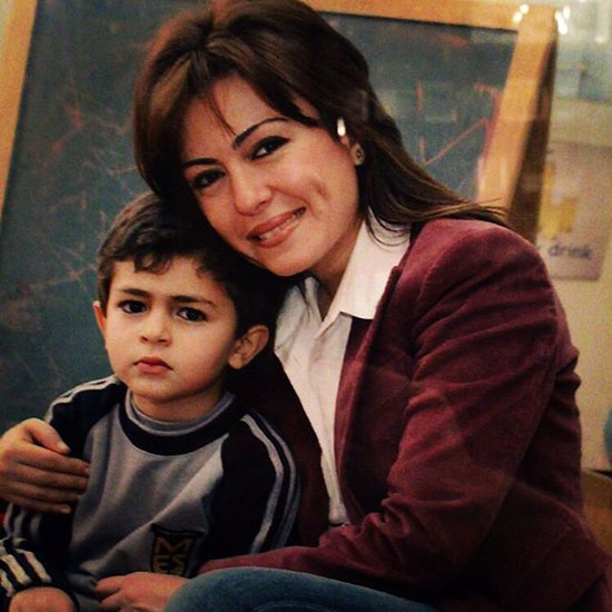 عمر مع والدته هايدى راسخ