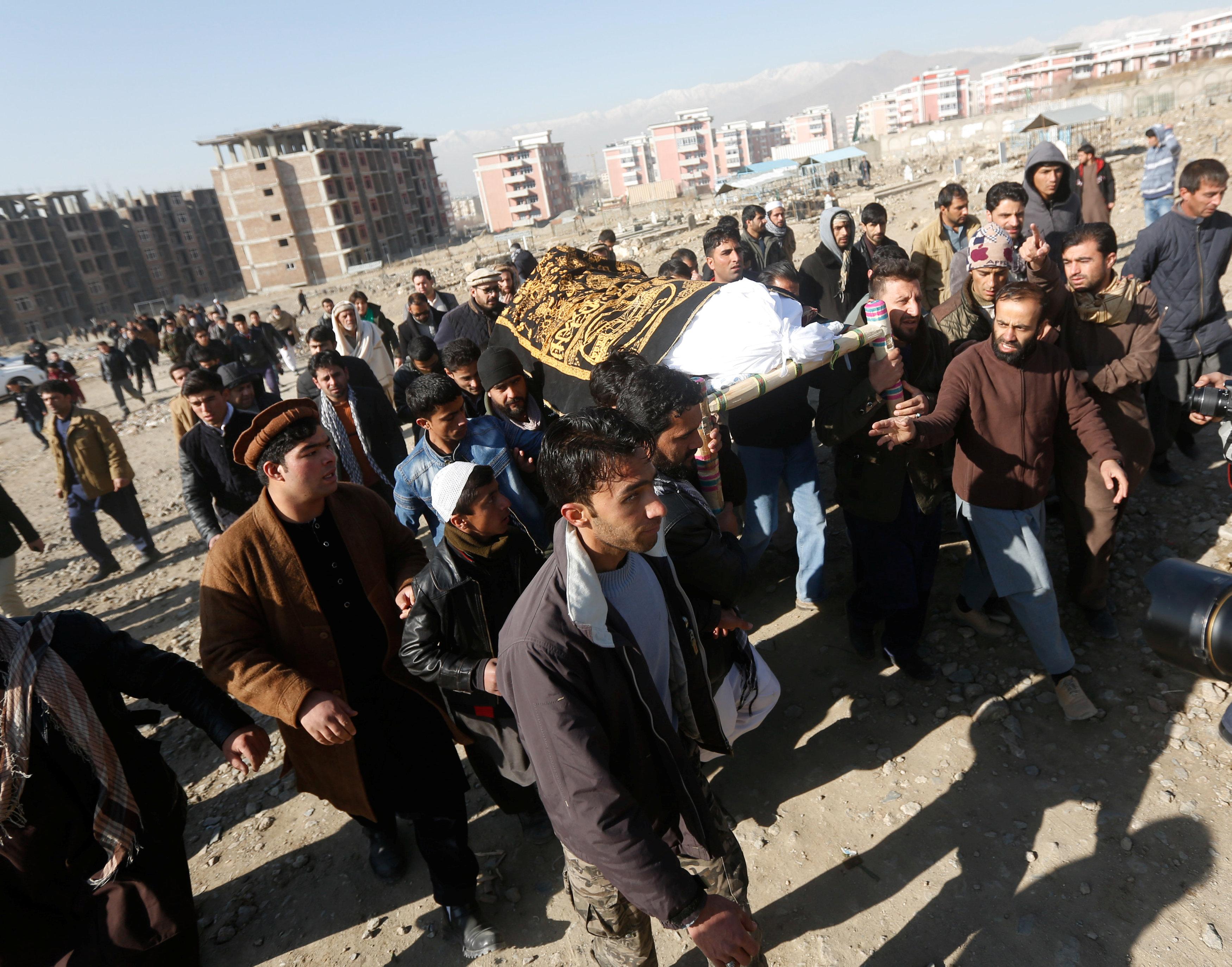 تشييع أحد ضحايا الهجوم الإرهابى فى أفغانستان والذى أسفر عن مقتل 50 شخص وإصابة أكثر من 70 أخرين
