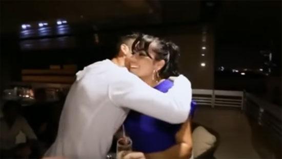 كريستيانو رونالدو يحضن تيانا شقيقة جنيفر لوبيز
