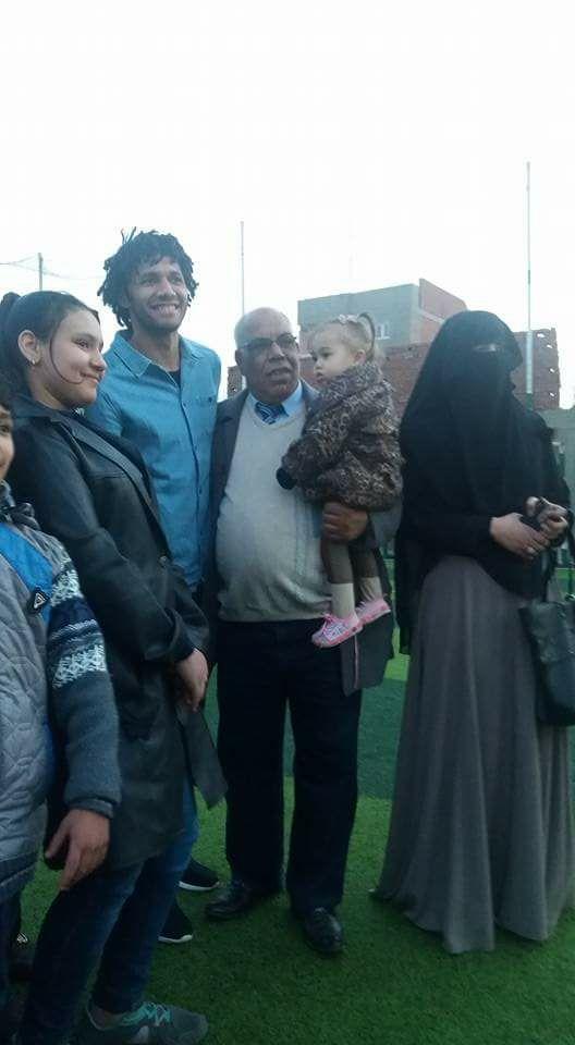 محمد الننى يزور أسرته وأصداقه فى المحلة (2)