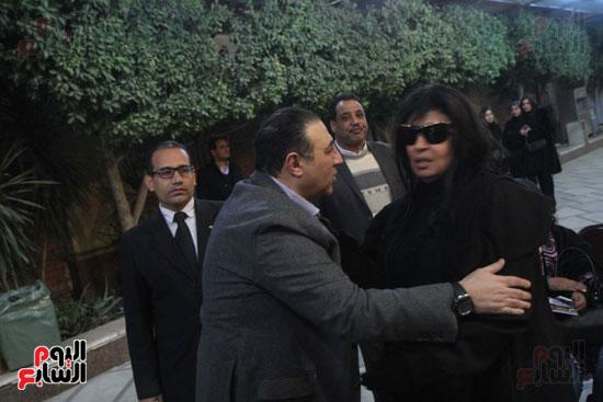 عزاء زوج بنت فيفى عبدة (2)