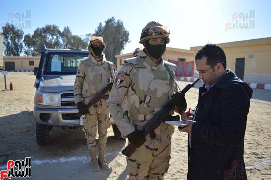 محرر اليوم السابع فى زيارة لقوات حرس الحدود