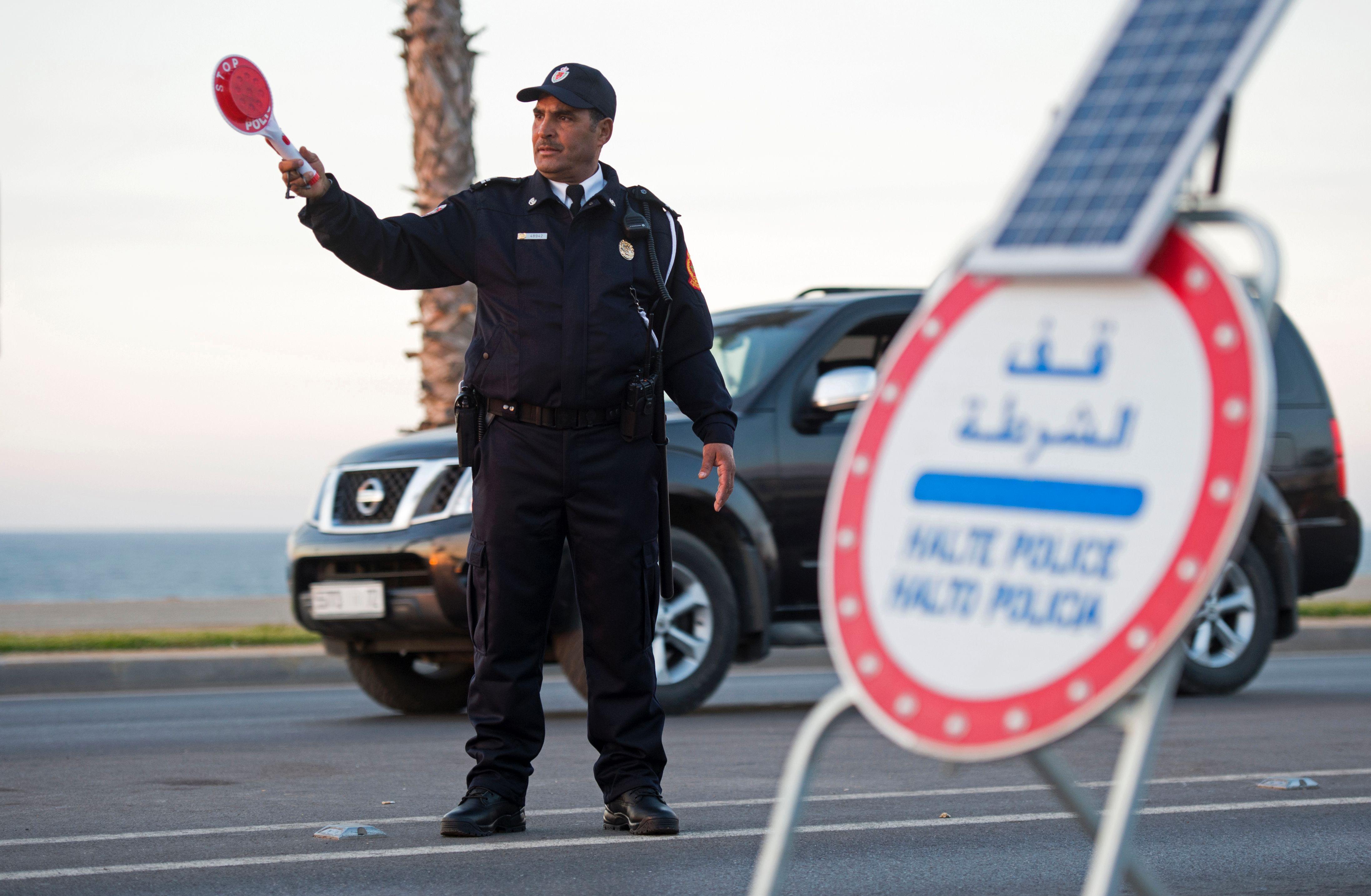 tout sur la police - Page 10 1019210-شرطى-مغربى-فى-زيه-الجديد