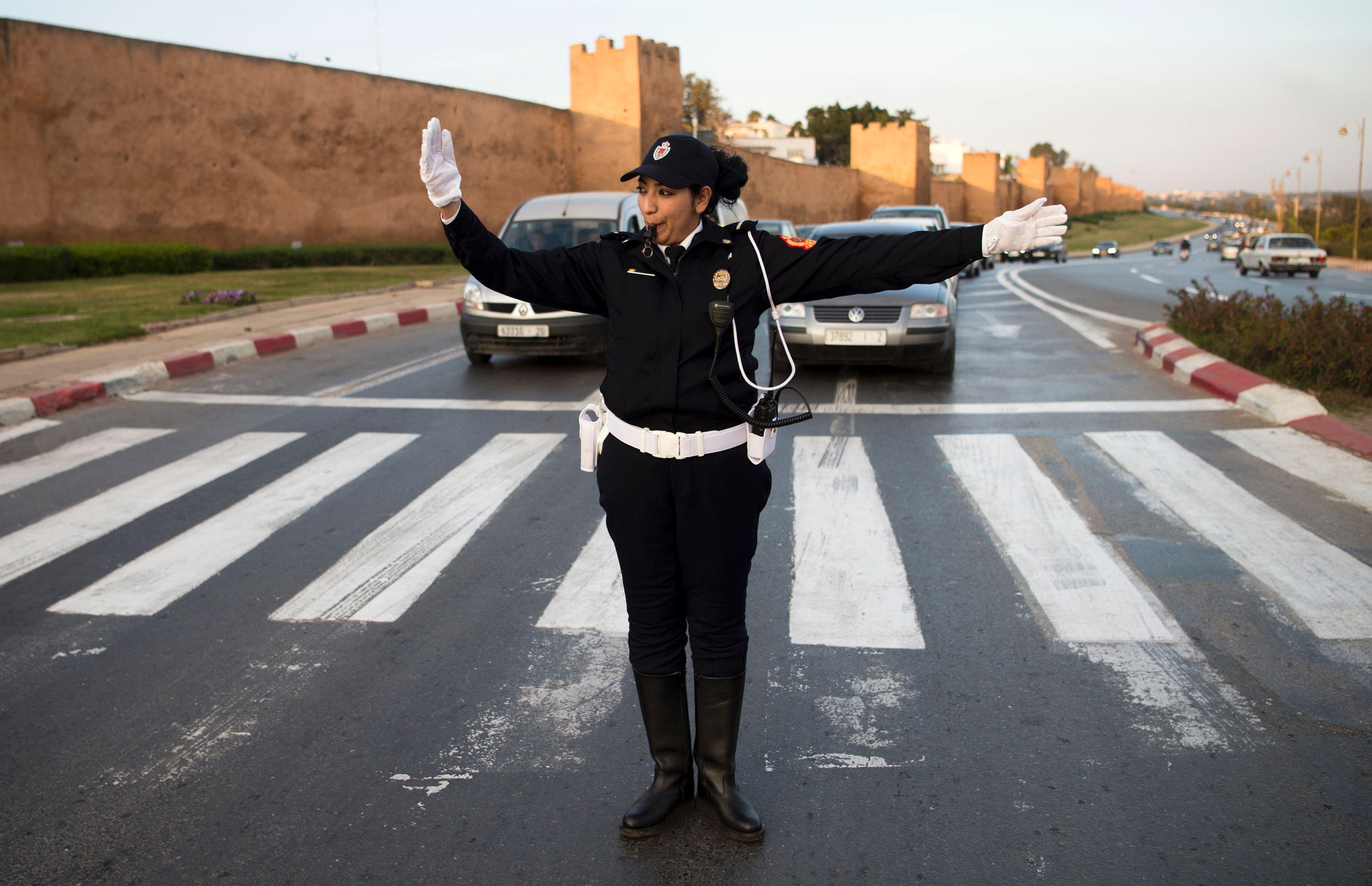 tout sur la police - Page 10 1044626-شرطية-مغربية