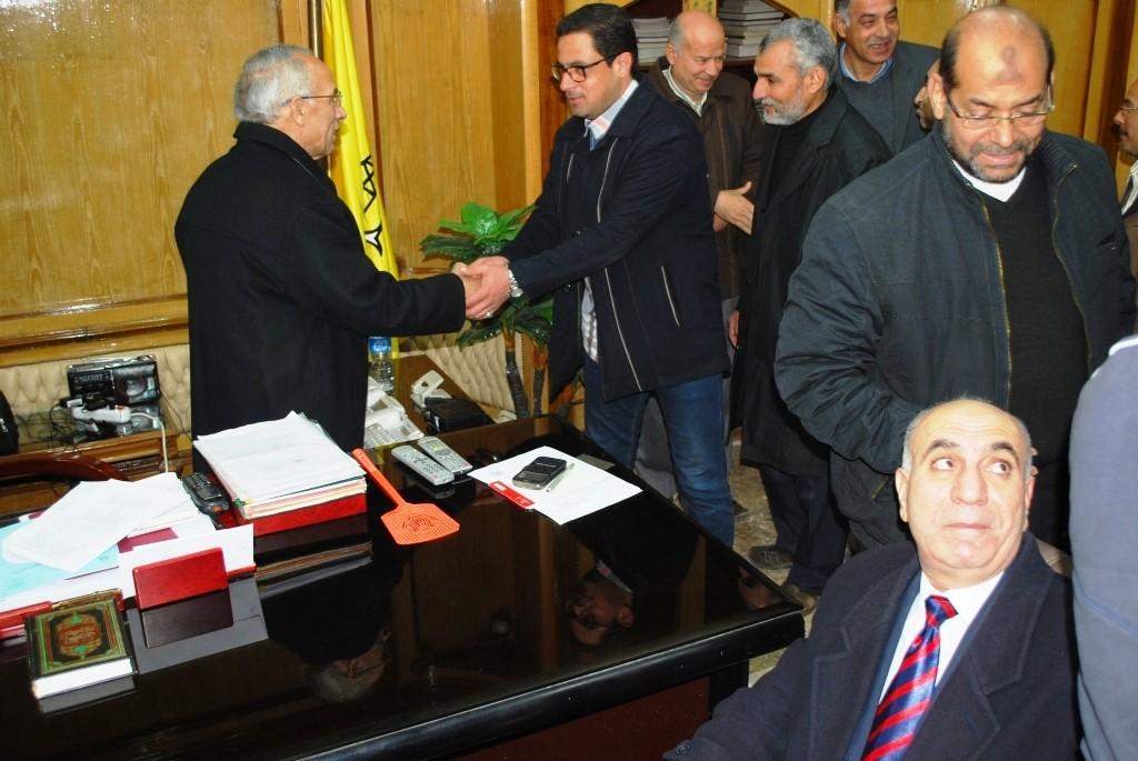 محافظ شمال سيناء يستقبل المهنئين بعودته