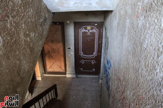 الشقة محل الجريمة.