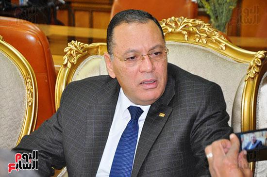 رئيس جامعة القناه