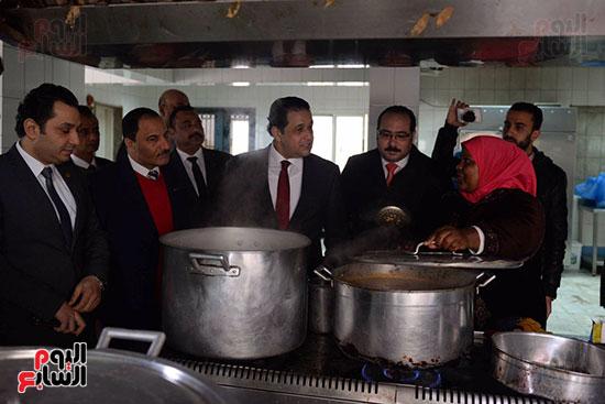 زيارة لجنة حقوق الإنسان بمجلس النواب، داخل جمعية أولادى بالمعادى (2)