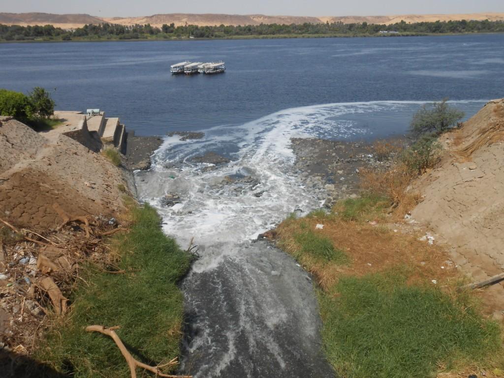 مياه الصرف المتسربة للنيل