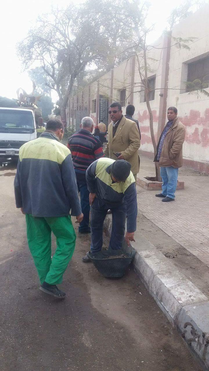 الجيزة تشن حملة نظافة بمنطقة امبابة  (4)