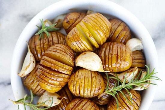 البطاطس بالروزمارى والخل البلسميك  (1)