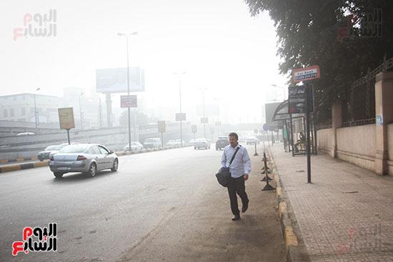 الشبورة تغطى سماء القاهرة