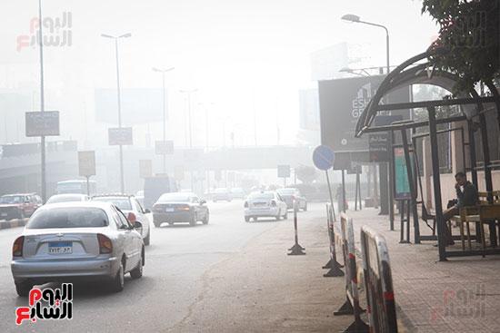 الشبورة تحجب الرؤية فى سماء القاهرة