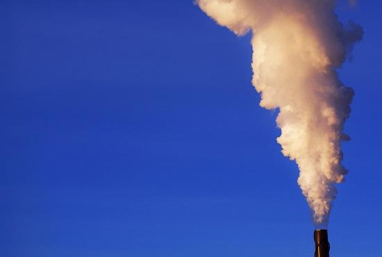 مدخنة مصنع