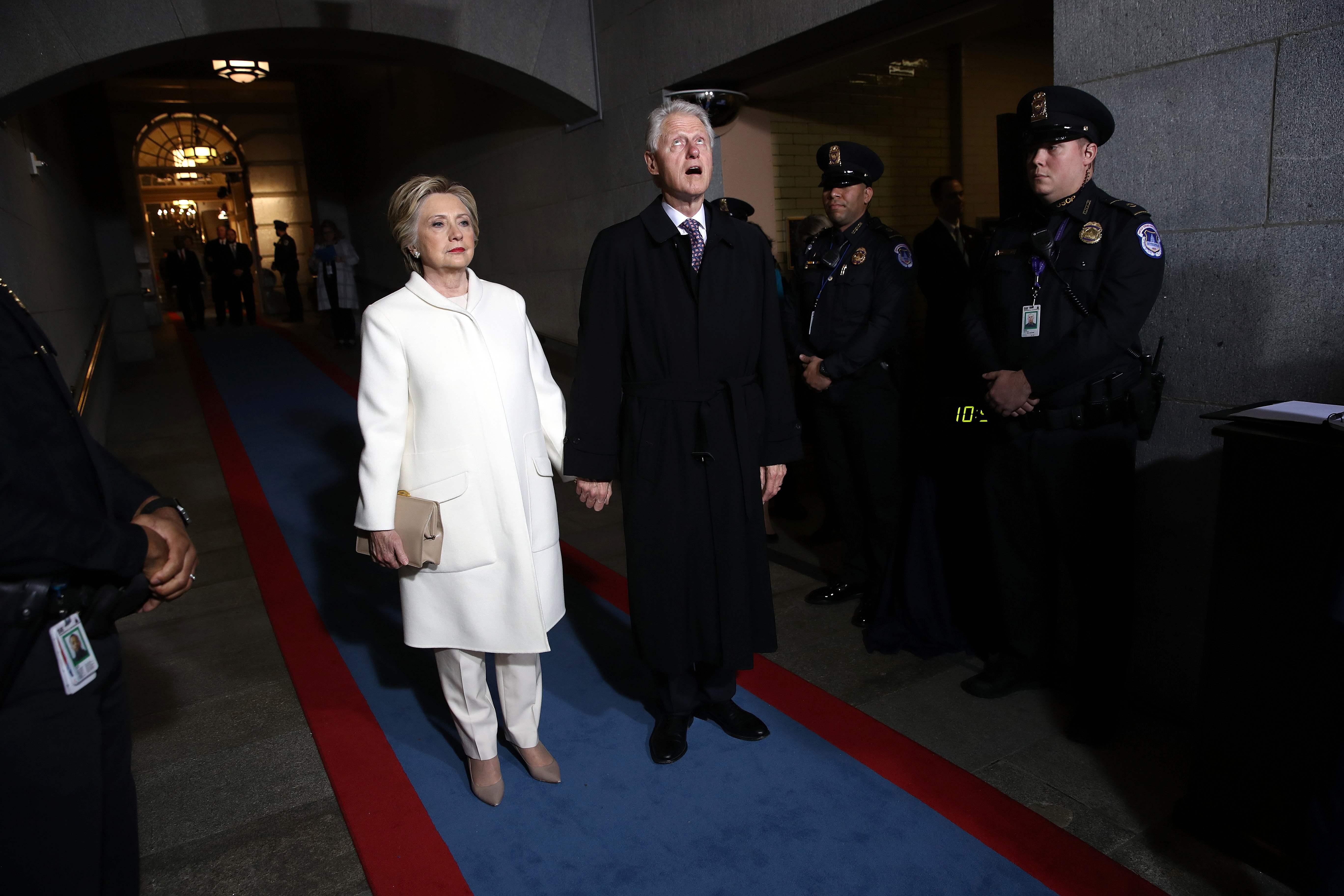 بيل وهيلارى كلينتون لدى وصولهما قاعة الكابيتول