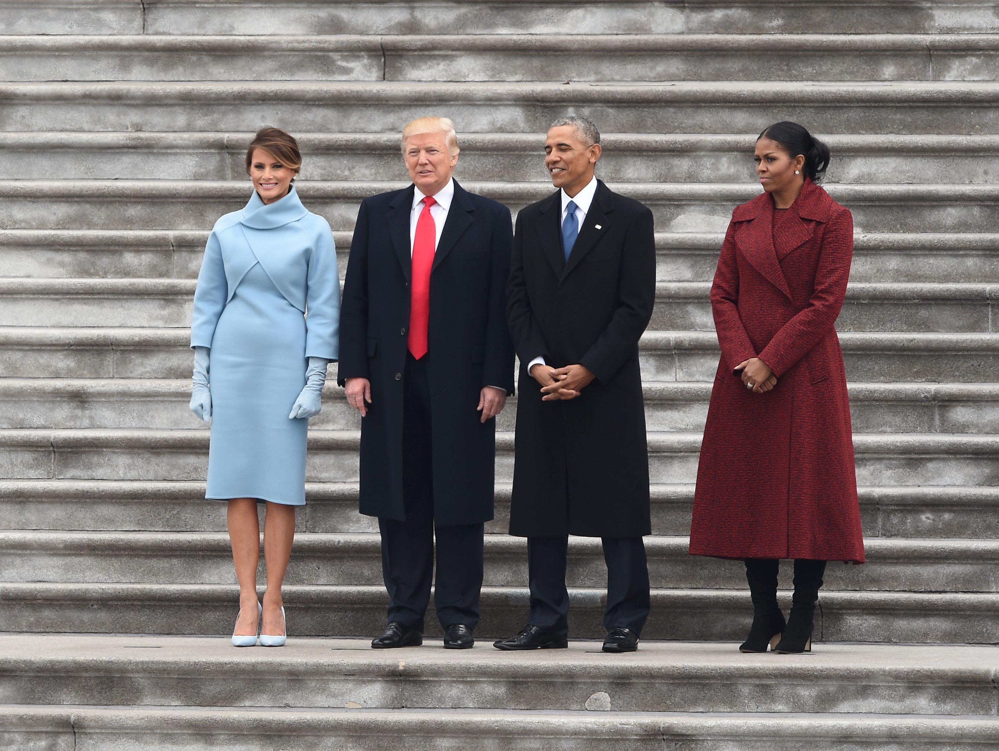 ترامب وأوباما وزوجتيهما فى صورة جماعية