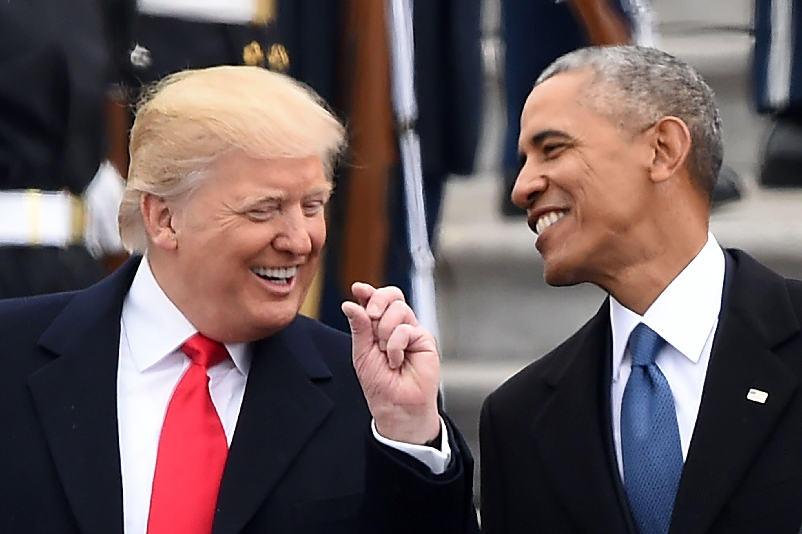حوار جانبى بين ترامب وأوباما قبل حلف اليمين