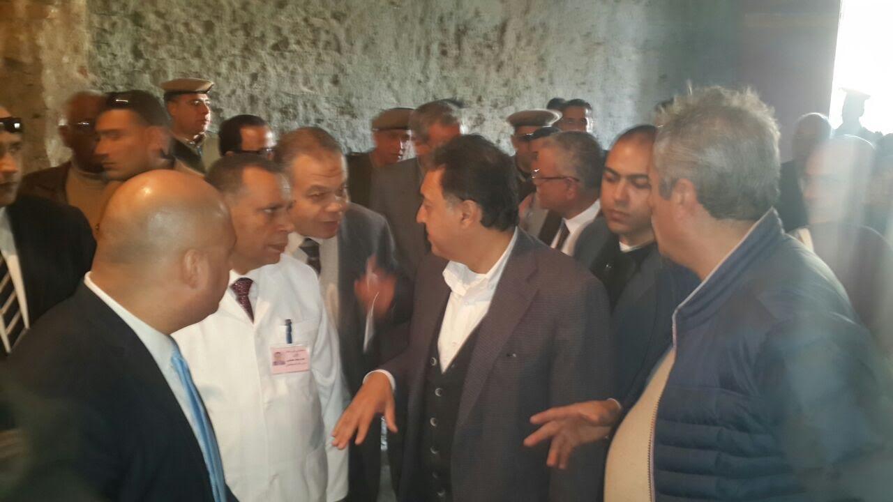 وزير الصحة بمستشفى ملوى فى المنيا
