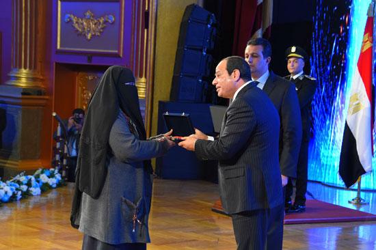 السيسى فى احتفالات عيد الشرطة 65 (35)