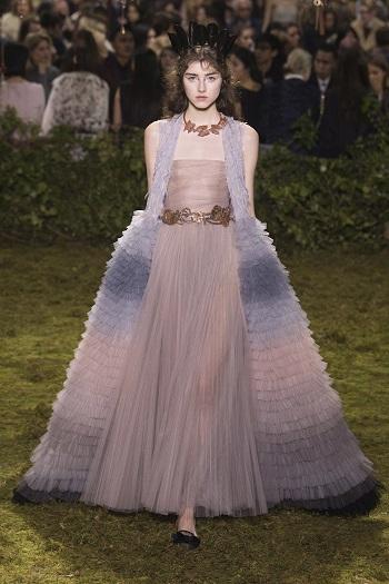 ca95f496fbf0f المجموعة الكاملة لأزياء Christian Dior بأسبوع الموضة بباريس الثلاثاء