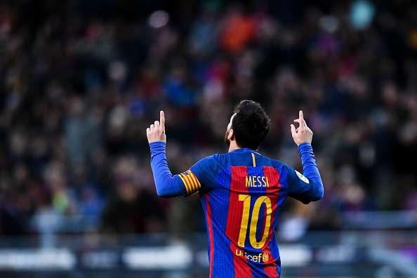 ميسي بقميص برشلونة