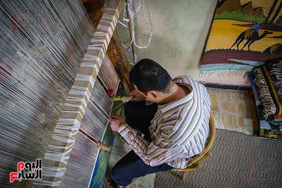 قد تستغرق السجادة اليدوية فترات طويلة قد تصل لـ 10 سنوات