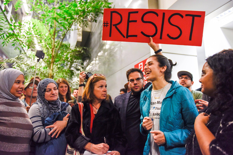 مظاهرات ضد قرارات ترامب