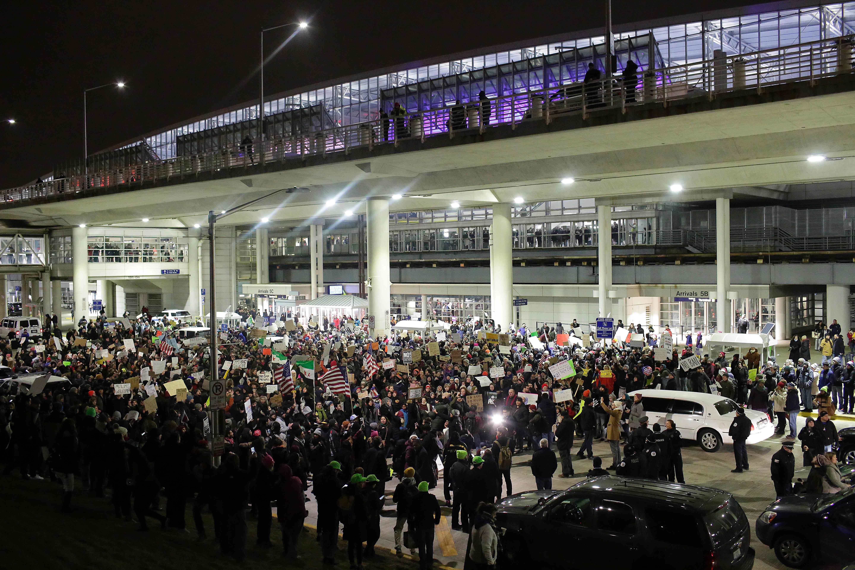 فوضى فى المطارات