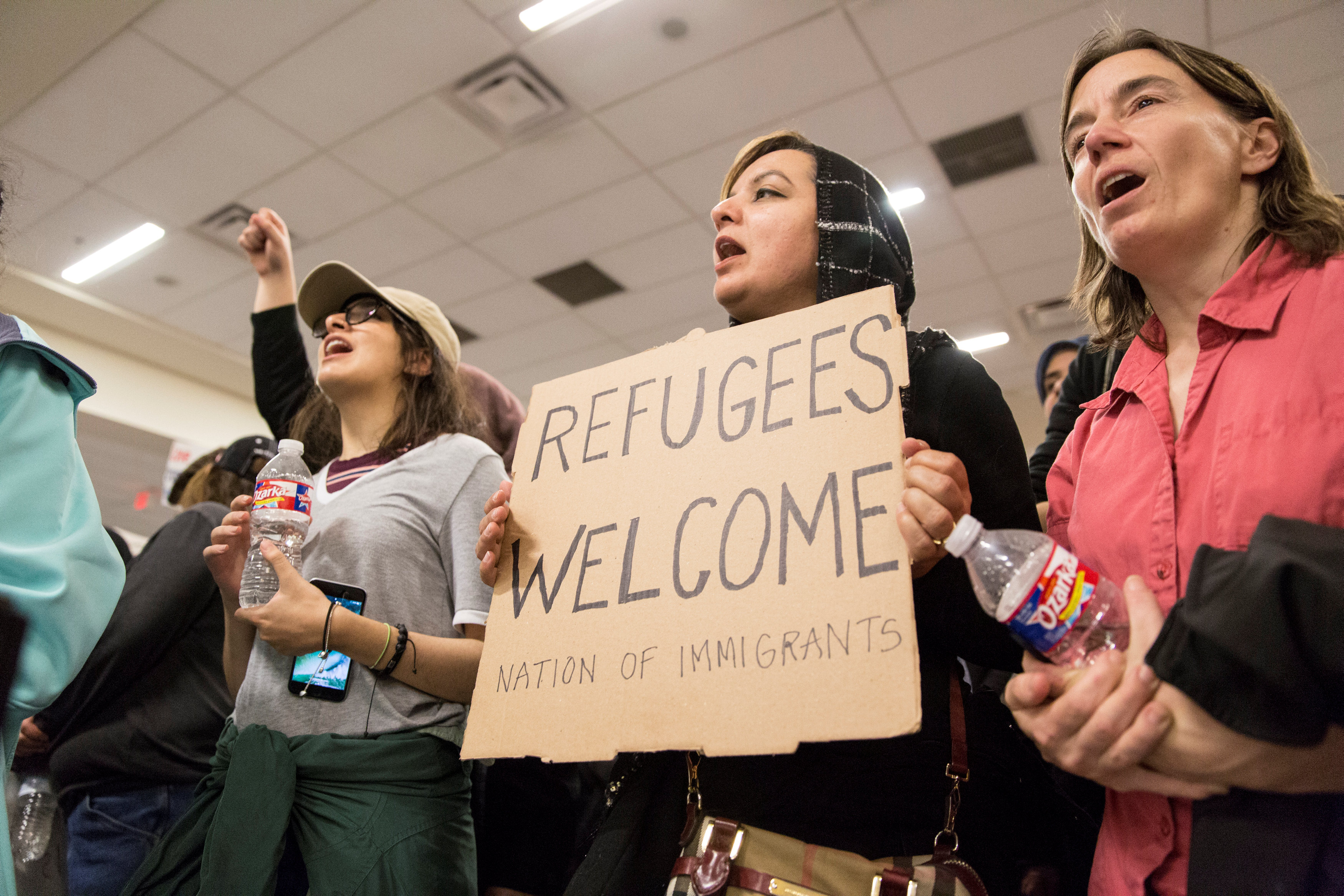 فوضى فى المطارات بسبب قرار ترامب