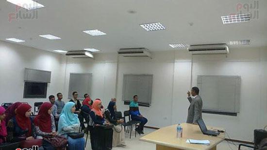 مناقشة كتاب مناهج المحدثين عن سيرة الإمام البخارى داخل المكتبة