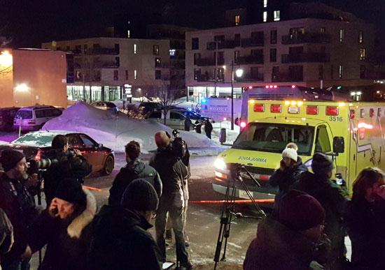 وسائل الإعلام تنقل الحادث