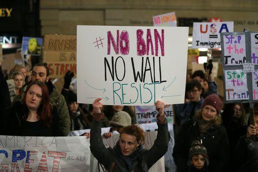 لا حظر لا حائط  قاوم