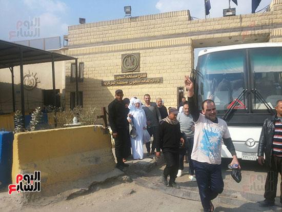 مساجين يهتفون تحيا مصر