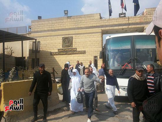 سجناء يهتفون تحيا مصر
