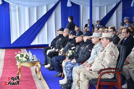 الرئيس السيسى يتابع الأسطول الجنوبى