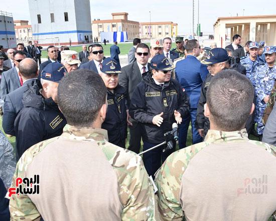 السيسى يشيد بالأداء البطولى للقوات البحرية