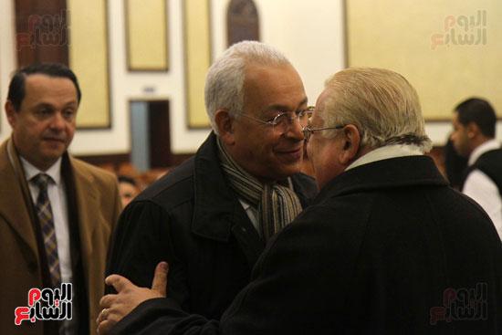 الدكتور هانى هلال يشارك فى عزاء زوجة كرم جبر