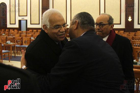 الدكتور جلال السعيد وزير النقل خلال المشاركة فى عزاء زوجة  الكاتب الصحفى كرم جبر