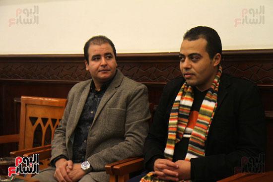 الزميل محمد السيد الصحفى بجريدة اليوم السابع و عبد الحميد العمدة عضو شعبة المحررين البرلمانيين