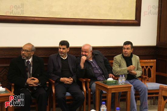 الكاتب الصحفى إبراهيم منصور خلال العزاء