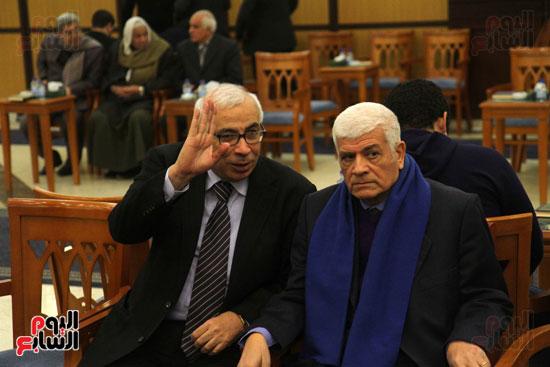 على حسن و الكاتب الصحفى عبد القادر شهيب خلال العزاء