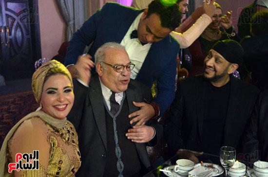 كاريكا وصلاح عبدالله والليثى وصابرين