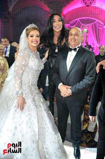 امينه والعروسين