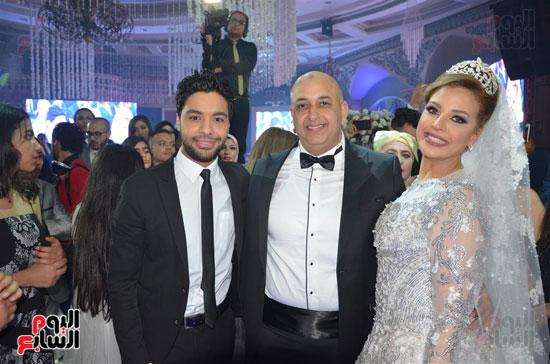 احمد جمال والعروسين