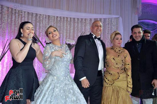 بوسى والعروسان وصابرين