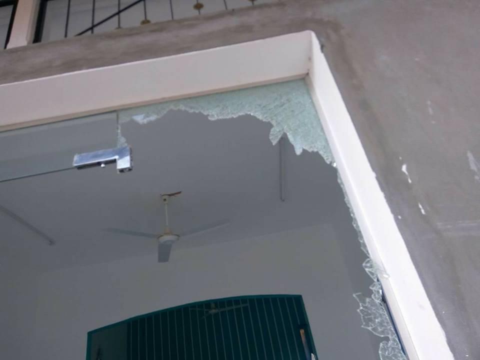 تضرر المنازل من قوة الانفجار (6)