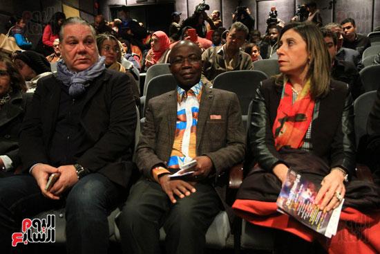 المخرج أشرف فايق والدكتورة نيفين الكيلانى رئيس صندوق التنمية الثقافية فى افتتاح نادى السينما الأفريقية