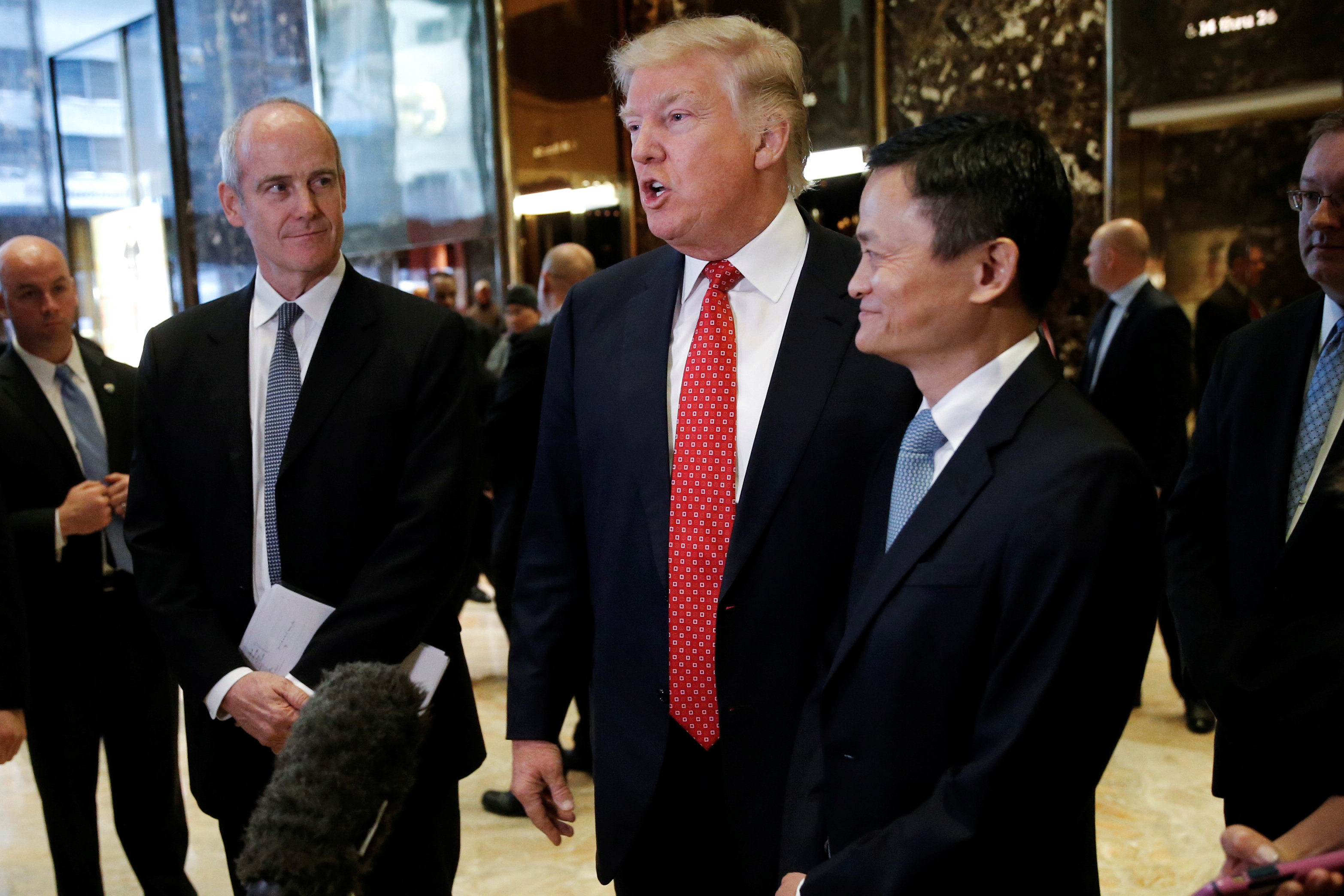 دونالد ترامب وجاك ما الرئيس التنفيذى لشركة على بابا الصينية