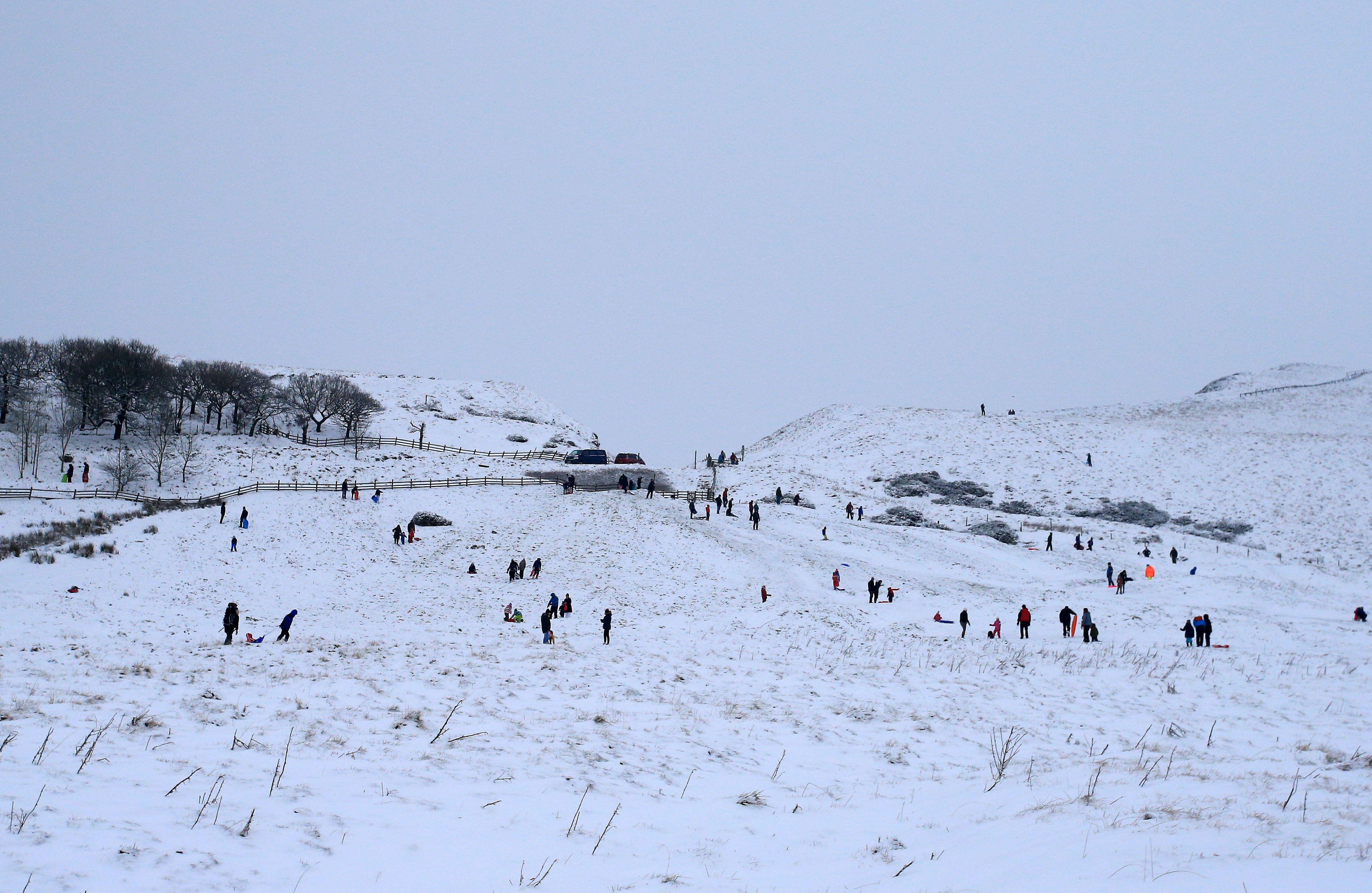 الثلوج الكثيفة تعرقل حركة النقل والسير فى أوروبا 1300216-الثلوج-شمال-