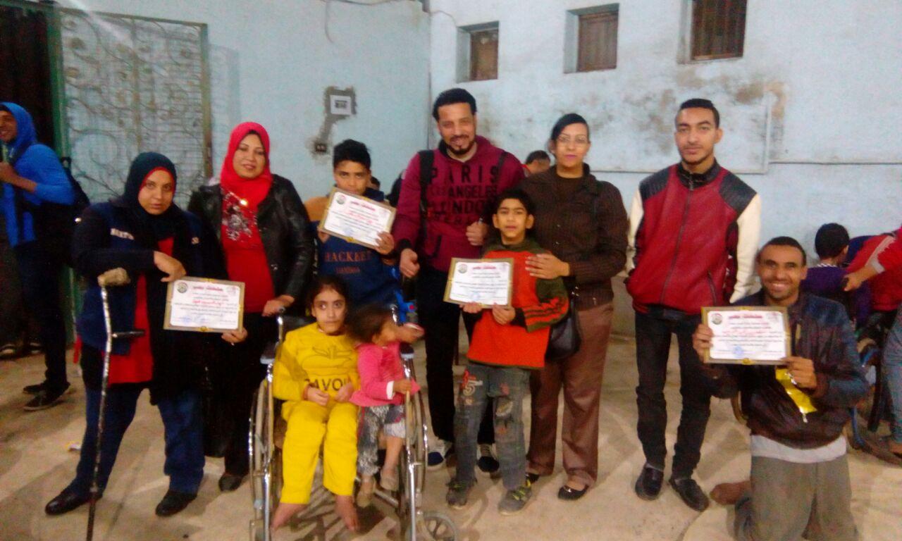 تكريم أبطال متحدي الإعاقة للكرة الطائرة جلوس بمركز شباب قليوب (4)